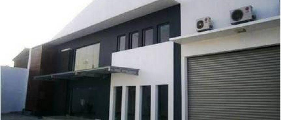 Struktur Atap dan Ventilasi Bangunan Gudang dan Pabrik